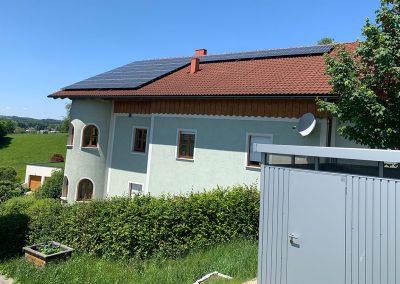 Luftwärmepumpe u. Photovoltaik Anlage, Riedau
